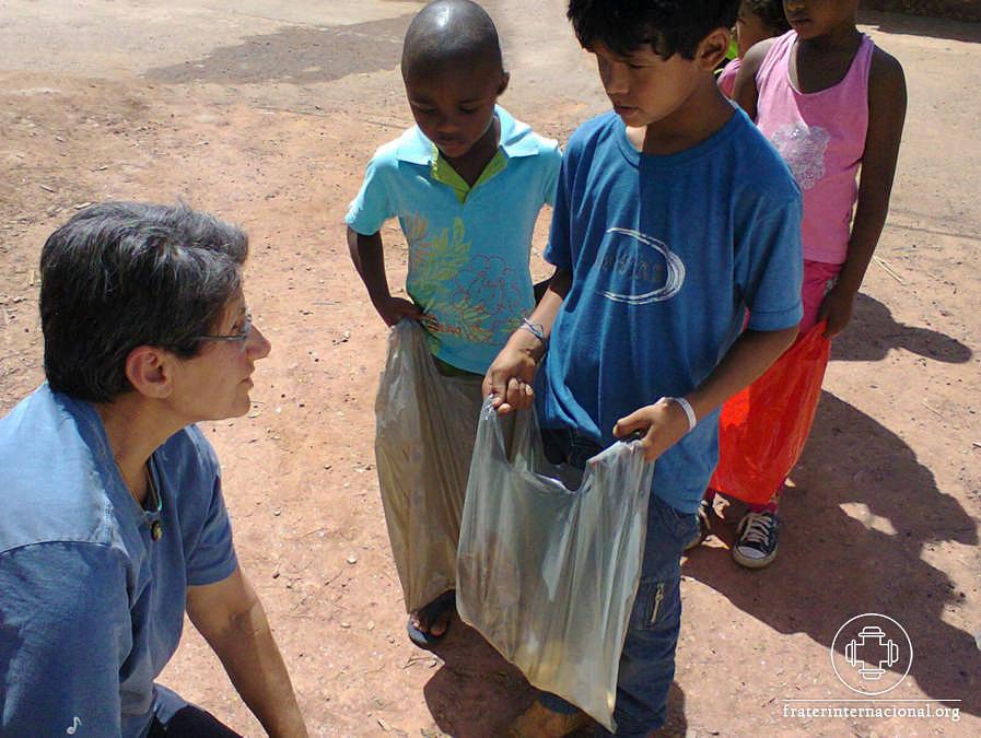 SITE_FFHI_serv humanitario-foto0002